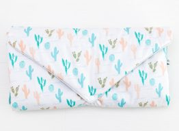 matelas à langer tropical mint cactus-rose boho